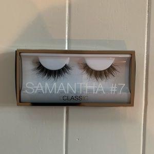 Huda Beauty Samantha #7 Classic Lashes - NEW